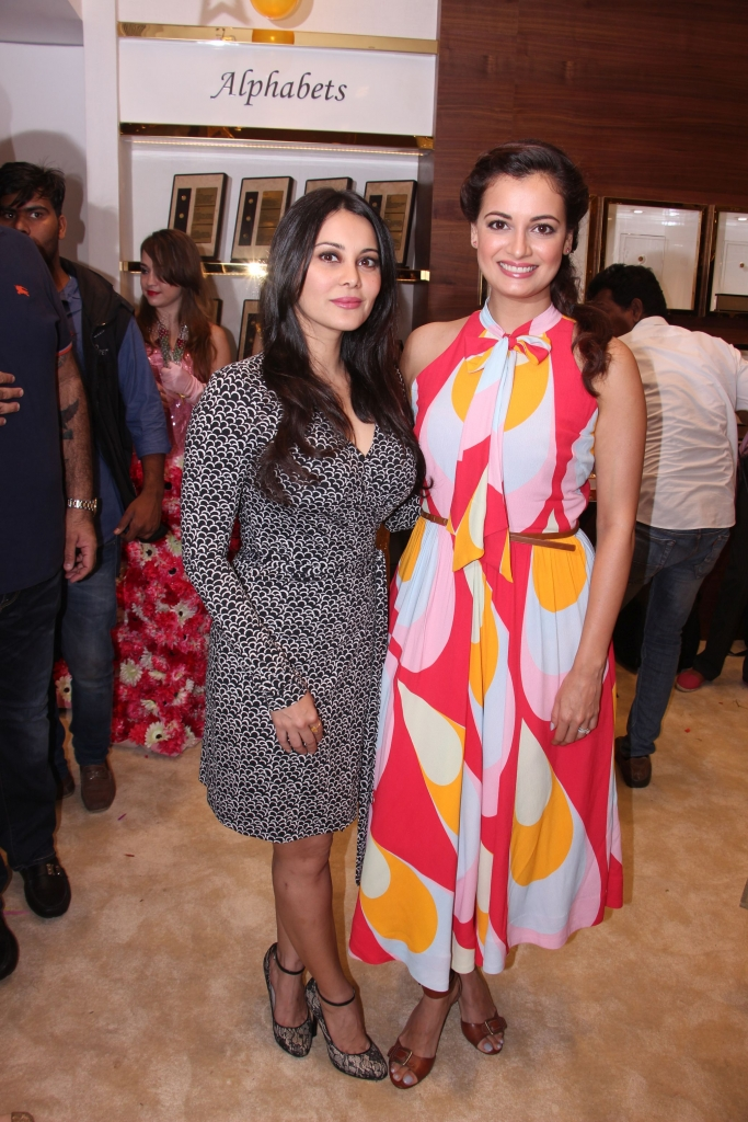 Minissha Lamba and Dia Mirza @ IBJA Gold Store Launch (8)