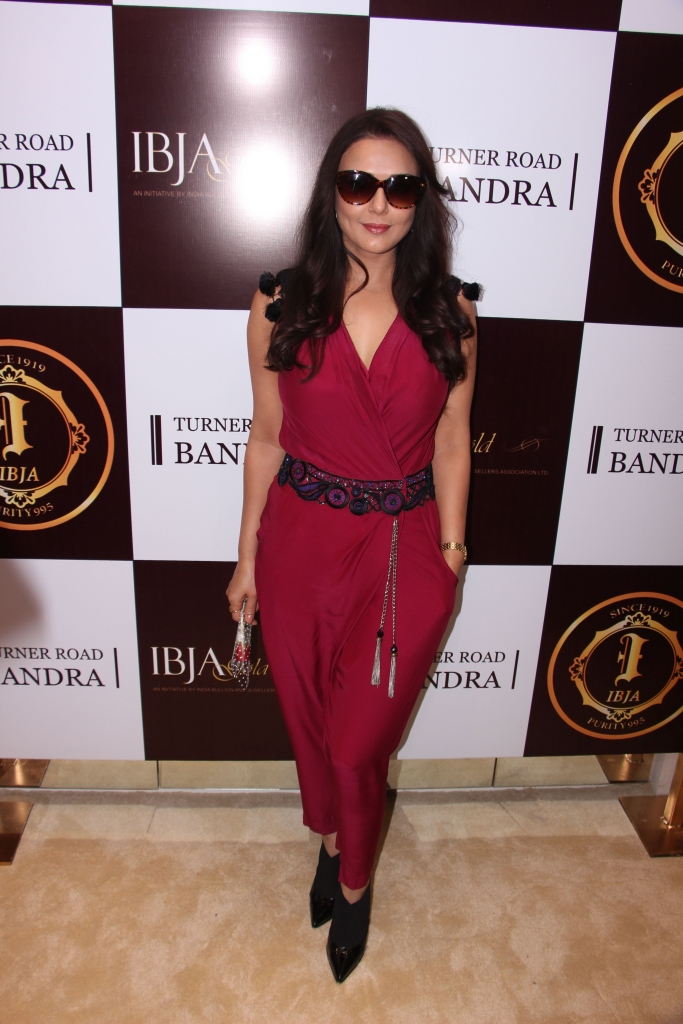 Preity Zinta @ IBJA Gold Store Launch (14)