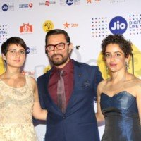 aamir-khan-sania-and-fatima