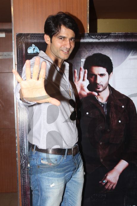 hiten-tejwani-possing-at-the-trailer-launch-of-saansein-the-last-breather