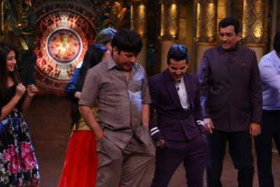sanjeev-kapoor-surveen-chawla-and-mudassar-khan-grace-the-stage-of-comedy-nights-bachao-taaza-13