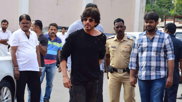 Shah Rukh Khan at film Raees' media meet at Mehboob Studios
