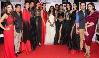 Fashion Designer Ashfaque Ahmed with her Showstopper Actress Avani Modi & other models walks the ramp at The White Room, Andheri.1