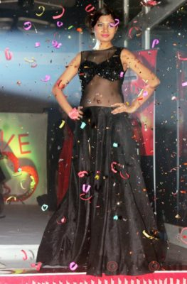 Showstopper Avani Modi walks the ramp for fashion designer Ashfaque Ahmed at The White Room, Andheri.4