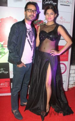 Showstopper Avani Modi walks the ramp with fashion designer Ashfaque Ahmed at The White Room, Andheri.1