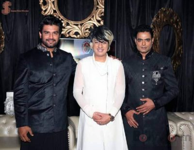 1. Designer Rohit Verma with Showstoppers- Sharad Kelkar & Abhimanyu Singh at India Luxury Style Week_bollyworm