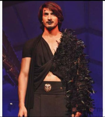 8. Models wearing Designer Rohit Verma Grave Yard Collection at India Luxury Style Week_bollyworm