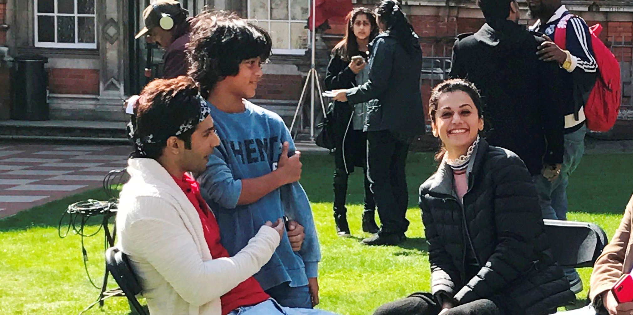 watch varun dhawan is all praises for taapsee pannu