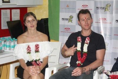 Brett Lee Music Therapy for Cancer Patients IG (24)