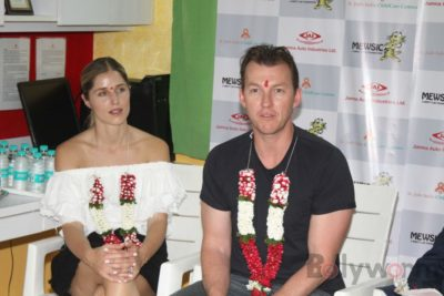 Brett Lee Music Therapy for Cancer Patients IG (28)