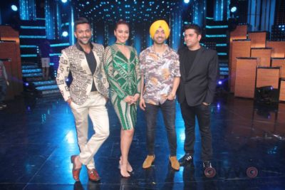 Diljit Dosanjh with Sonakshi Sinha at Super Singh promotions on Nach Baliye 8 _Bollyworm (14)