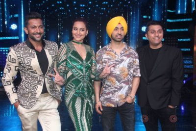Diljit Dosanjh with Sonakshi Sinha at Super Singh promotions on Nach Baliye 8 _Bollyworm (15)