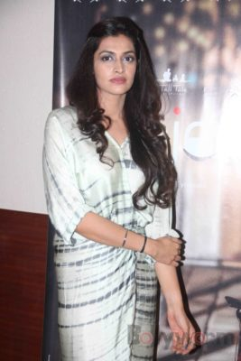 Kajal's Special Screening_Bollyworm (1)