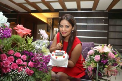 Neetu Chandra_Bollyworm (14)