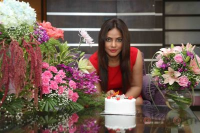 Neetu Chandra_Bollyworm (6)