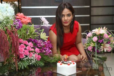 Neetu Chandra_Bollyworm (9)
