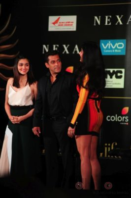 Salman Khan, Katrina Kaif and Alia Bhatt at IIFA_Bollyworm (2)