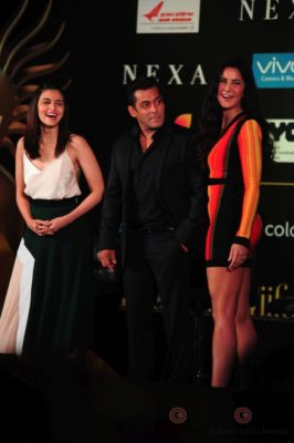 Salman Khan, Katrina Kaif and Alia Bhatt at IIFA_Bollyworm (3)