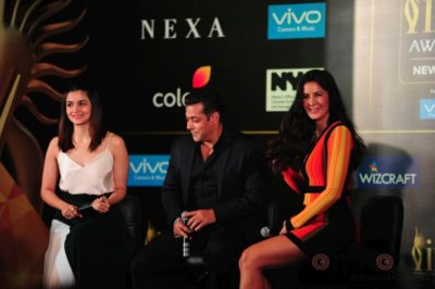 Salman Khan, Katrina Kaif and Alia Bhatt at IIFA_Bollyworm (6)