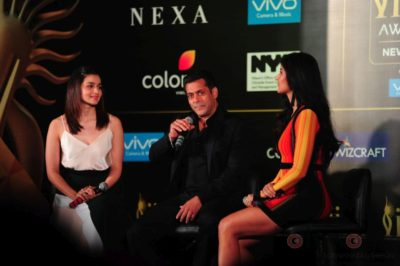 Salman Khan, Katrina Kaif and Alia Bhatt at IIFA_Bollyworm (7)