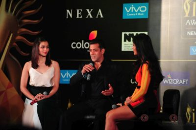 Salman Khan, Katrina Kaif and Alia Bhatt at IIFA_Bollyworm (9)
