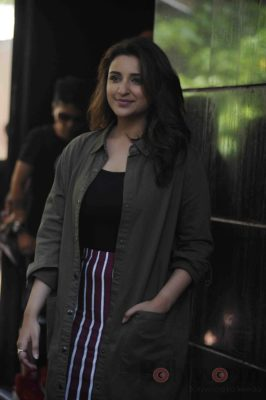 parineeti_no filter neha_bollyworm (19)