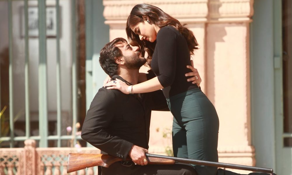 ajay devgn and ileana d cruz turn up the heat in baadshaho