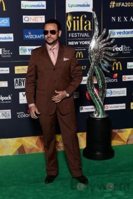 Gulshan Grover at IIFA Rocks (4)