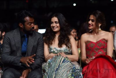 Leander Paes, Dia Mirza and Taapsee Pannu at IIFA Rocks (9)