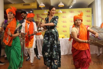Mubarakan Radio Mirchi Promotions_Bollyworm (60)