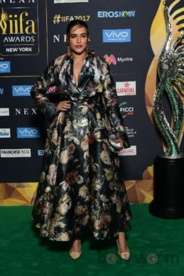 Neha Dhupia at IIFA Rocks_Bollyworm