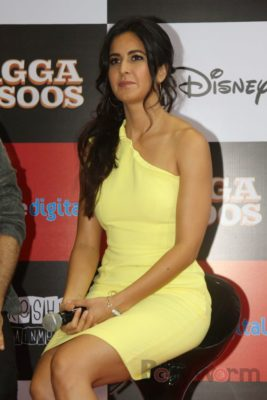 Ranbir and Katrina promote film Jagga Jasoos at Reliance Digital Store_Bollyworm (13)