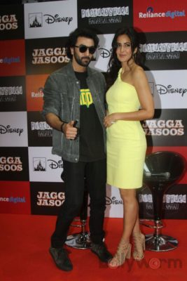 Ranbir and Katrina promote film Jagga Jasoos at Reliance Digital Store_Bollyworm (8)