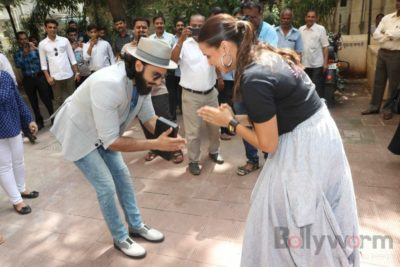 Ranveer Singh and Neha Dhupia record for NoFilterNeha season 2_Bollyworm (10)