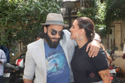 Ranveer Singh and Neha Dhupia record for NoFilterNeha season 2_Bollyworm (14)
