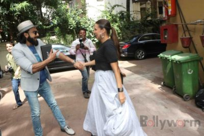 Ranveer Singh and Neha Dhupia record for NoFilterNeha season 2_Bollyworm (23)