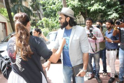 Ranveer Singh and Neha Dhupia record for NoFilterNeha season 2_Bollyworm (6)