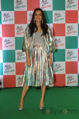 Shraddha Kapoor launches Hair & Care Fruit Oils new products_Bollyworm (1)