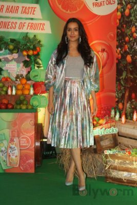 Shraddha Kapoor launches Hair & Care Fruit Oils new products_Bollyworm (14)