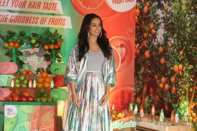 Shraddha Kapoor launches Hair & Care Fruit Oils new products_Bollyworm (15)