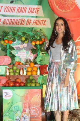 Shraddha Kapoor launches Hair & Care Fruit Oils new products_Bollyworm (17)