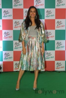 Shraddha Kapoor launches Hair & Care Fruit Oils new products_Bollyworm (2)