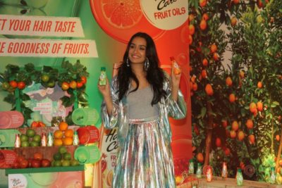 Shraddha Kapoor launches Hair & Care Fruit Oils new products_Bollyworm (8)