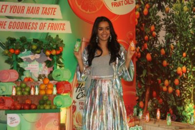 Shraddha Kapoor launches Hair & Care Fruit Oils new products_Bollyworm (9)