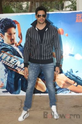 Sidharth and Jacqueline at a special trailer launch of A Gentleman_Bollyworm (21)