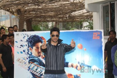 Sidharth and Jacqueline at a special trailer launch of A Gentleman_Bollyworm (23)