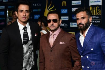 Sonu Sood, Gulshan Grover and Suneil Shetty at IIFA Rocks (7)