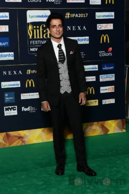 Sonu Sood at IIFA Rocks (10)