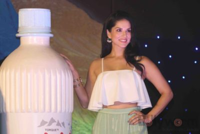 Sunny Leone Brand Ambassador of JAL Water Purifier_Bollyworm (40)