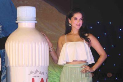 Sunny Leone Brand Ambassador of JAL Water Purifier_Bollyworm (41)